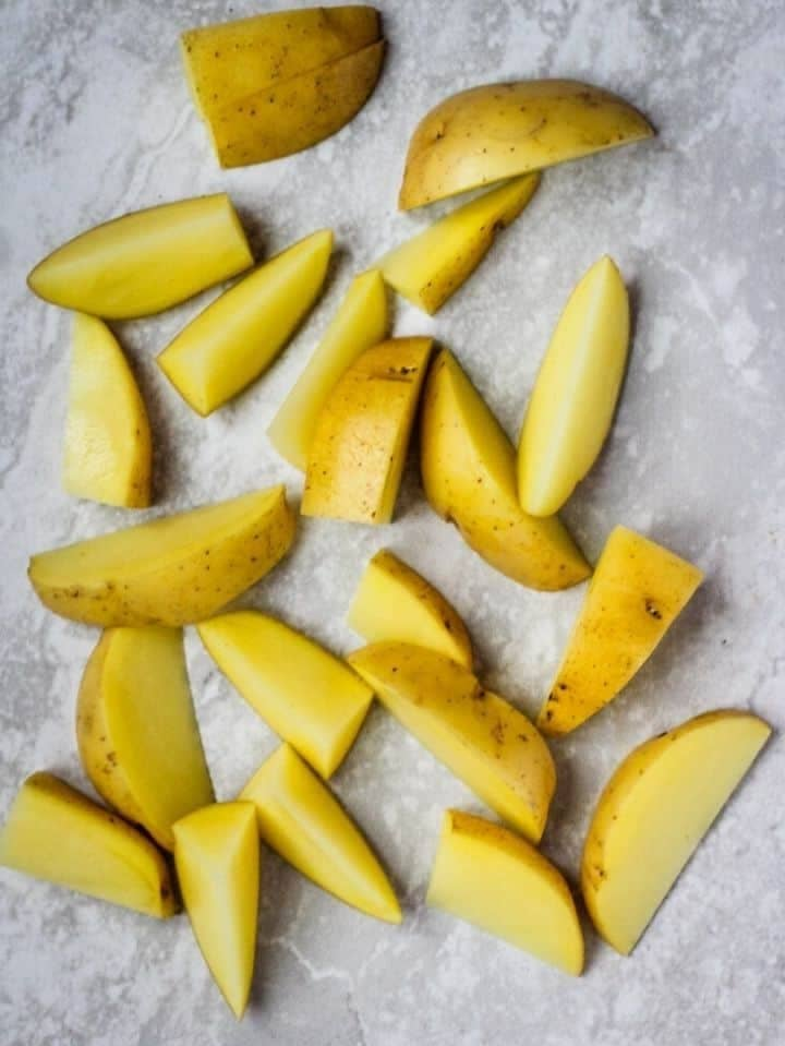 How to cut a potato into Wedges